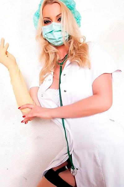 Ärztin bizarr Brutal Domina